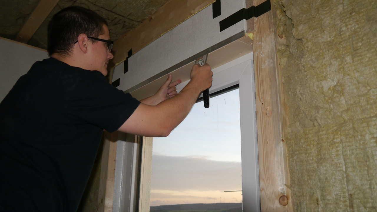 Sehr Umbau auf elektrische Rolladen bei unserem Massa-Haus, Teil 1 JX23