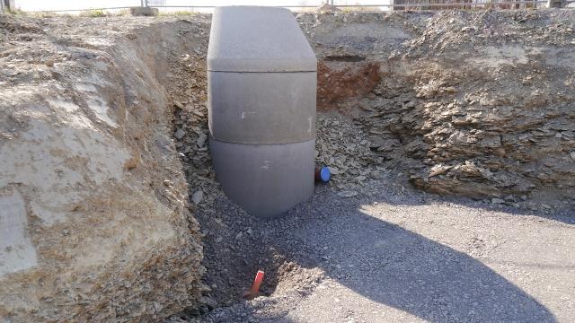 Abwasseranschlüsse und Kontrollschacht